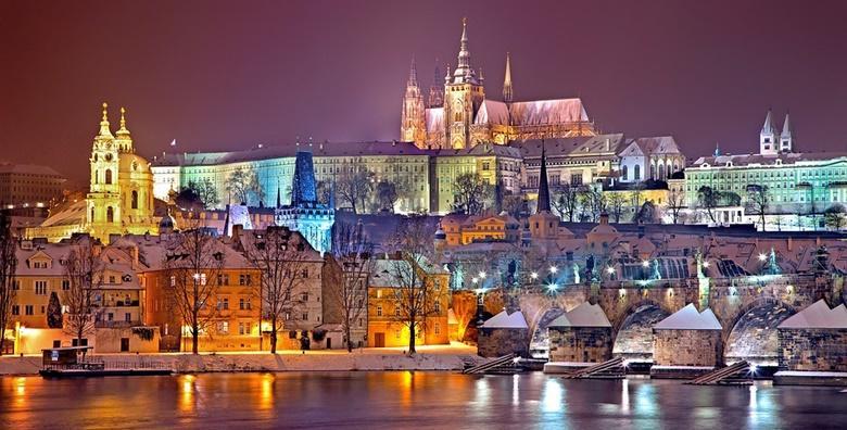 Advent u Pragu i Češkom Krumlovu - 3 dana u hotelu 3* s doručkom za 750 kn!