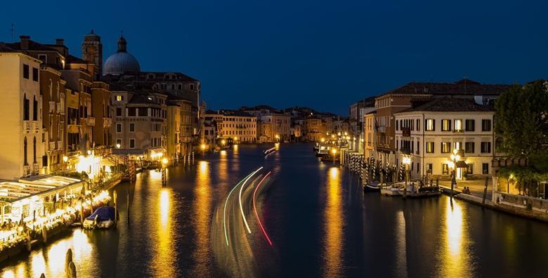 Advent u Veneciji uz posjet otocima Murano i Burano, cjelodnevni izlet za 230 kn