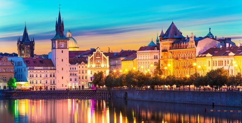 Valentinovo u Pragu - 3 dana s doručkom i prijevozom za 775 kn!