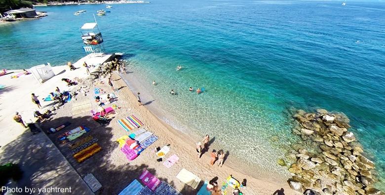 Ponuda dana: MALINSKA, LAST MINUTE Godišnji odmor u najomiljenijem mjestu otoka Krka! 2, 3 ili 4 noćenja s doručkom za dvoje u Hotelu Adria 3* od 1.090 kn! (Hotel Adria 3*)