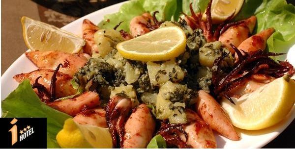Salata od hobotnice, riba sa žara i lignje sa žara za dvoje