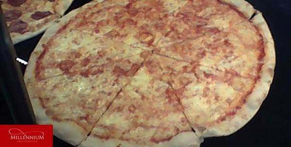 Pizza na špici - dvije velike pizze po izboru