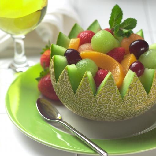 Za samo 10 kn uživajte u fantastičnom voćnom kupu i čaši limunade - savršena kombinacija slatkiša i vitamina samo za Vas