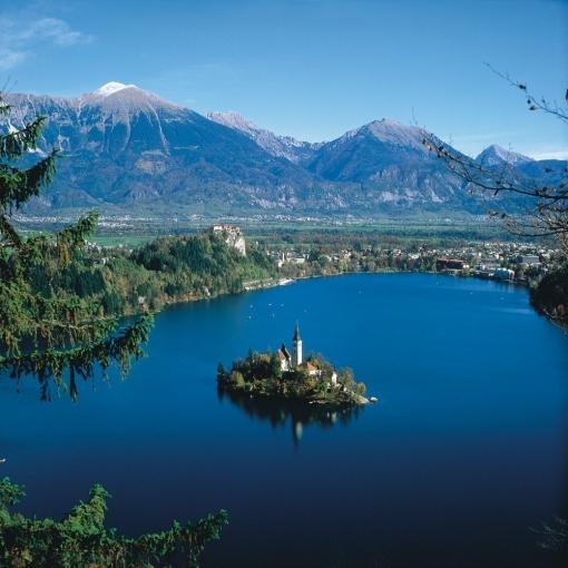 Noćenje s doručkom za dvije osobe na Bledskom jezeru za samo 255 kn umjesto 525kn – odmorite se na prekrasnom jezeru u Sloveniji