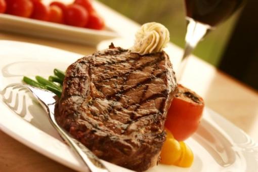 Večera za dvoje u Steak Houseu Opatija za 150kn umjesto 300kn - uživajte u kulinarskim umijećima pripremanja steaka