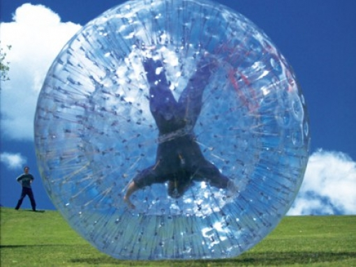 Spustite se niz padinu u velikom plastičnom balonu- iskusite zorbing- adrenalinsku avanturu za dvoje na Bohinju za 259 kn umjesto 518kn