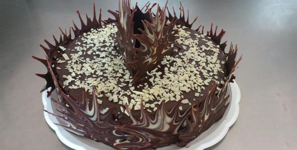 Čokoladna torta za do 20 osoba - užitak veličanstvenog okusa