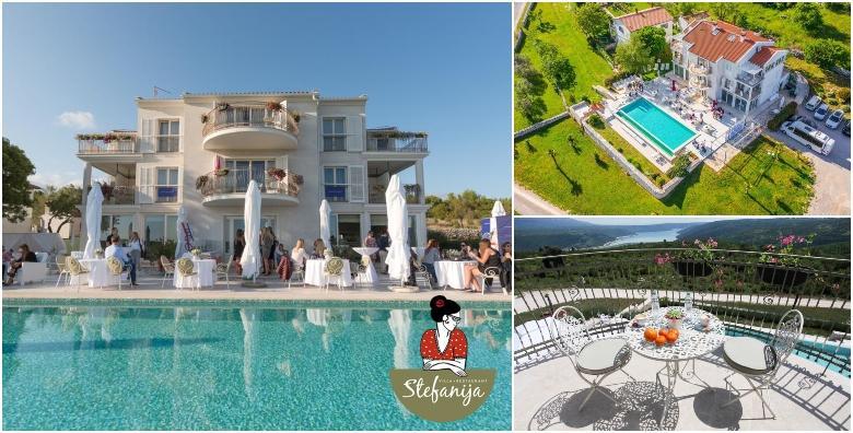 Ponuda dana: ISTRA 2 ili 3 noćenja s doručkom za 2 do 4 osobe uz korištenje bazena - luksuzan postsezonski odmor u malom istarskom selu s pogledom na more već od 1.624 kn! (Villa Štefanija 4*)