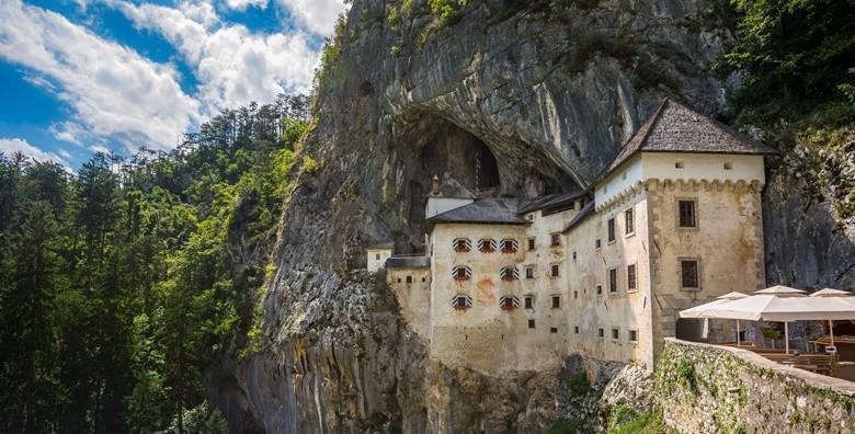 Postojnska jama i Predjamski dvorac - izlet s prijevozom za 165 kn!