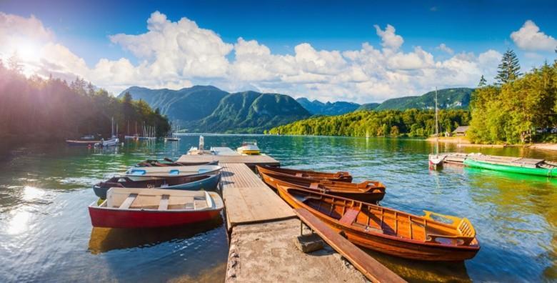 Ponuda dana: BOHINJSKO JEZERO Uputite se u cjelodnevnu avanturu u Julijske Alpe te uživajte u čudesnom prizoru slapa Savica za 149 kn! (Putnička agencija Autoturist - Park ID kod: HR-AB-01-080015747)