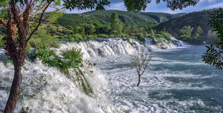Južni Velebit - uživajte u kanjonu rijeke Zrmanje i prošetajte do Kudinog mosta za 214 kn!
