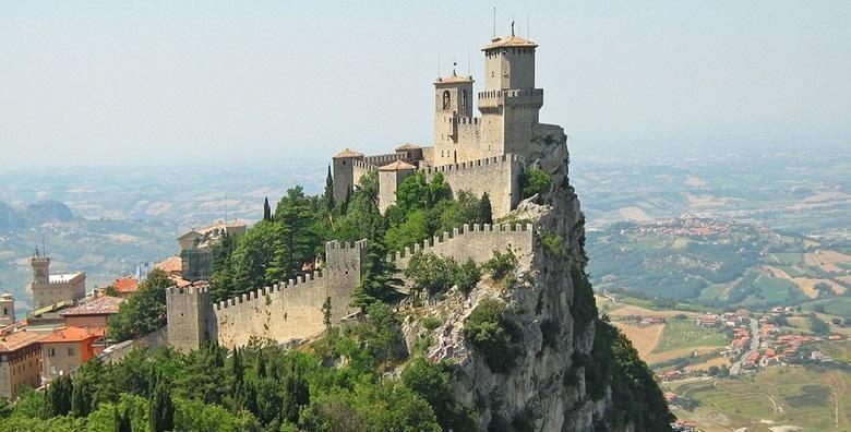 Ponuda dana: Italija i San Marino - posjetite jednu od najmanjih i najstarijih država na svijetu uz posjet Riminiju, Ferrari i Ravenni za 599 kn! (Integral putovanjaID kod: HR-AB-01-1-18661)