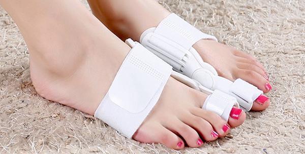 2 aktivne ortoze za deformirane nožne palčeve