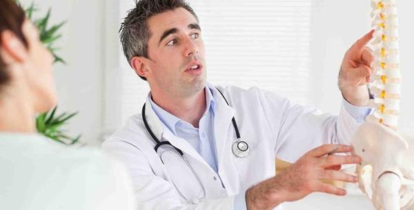Namještanje atlasa uz tretman kiropraktike