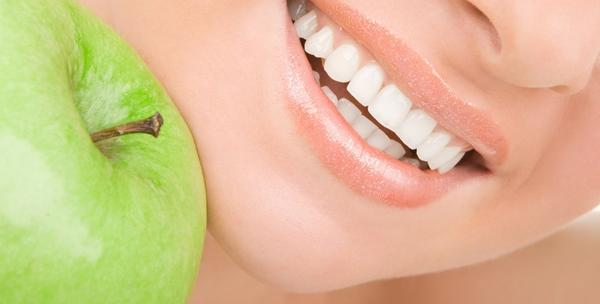 Izbjeljivanje zubi metodom gela