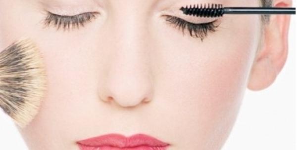 Tečaj profesionalnog make up-a za 295kn