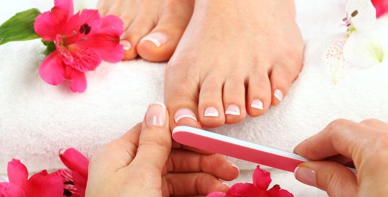 Estetska pedikura s lakiranjem i masažom stopala