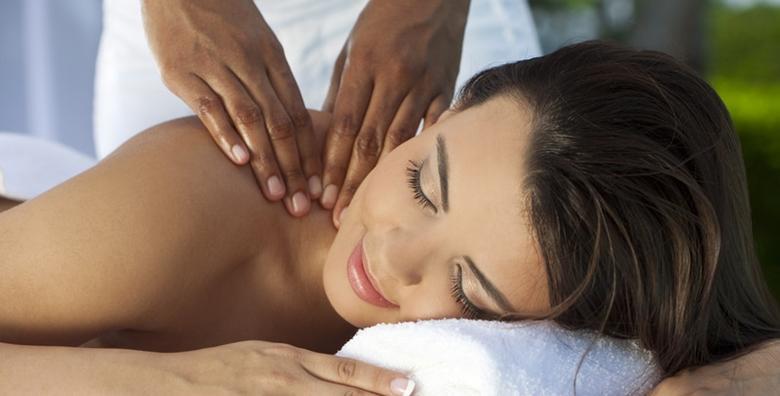 2 sportske masaže leđa