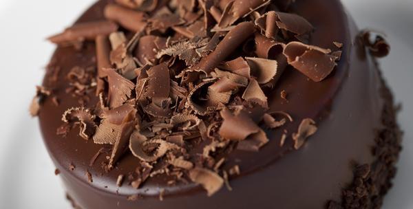 Čokoladna ili voćna tortom s natpisom ili slikom po izboru