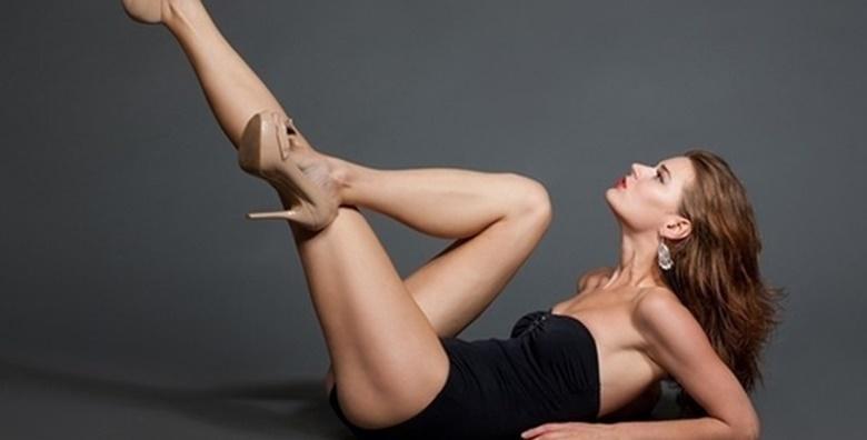 Depilacija cijelih nogu voskom i bikini zone šećernom pastom