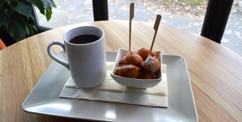 Fritule i kuhano vino za dvoje – omiljene adventske slastice za 25 kn!