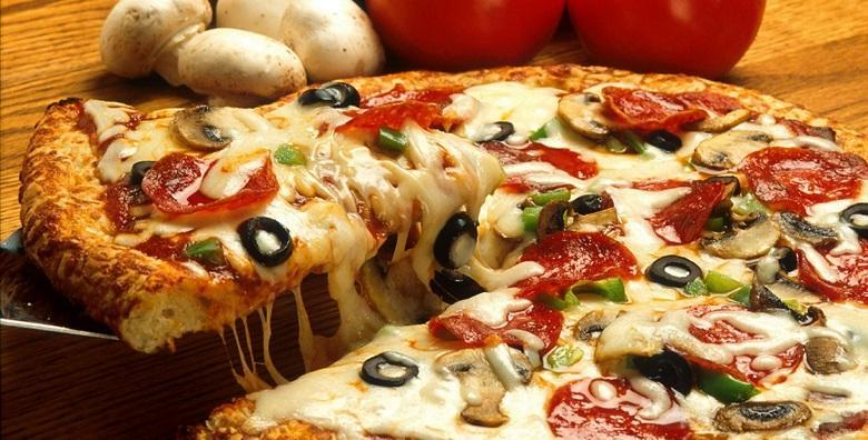 2 velike miješane pizze – svježi sastojci i klasična receptura zadovoljit će i najveće gurmane za samo 35 kn!