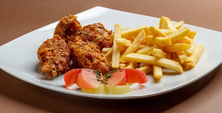 [STARA VODENICA] Hrskava pileća krilca, pomfrit, tartar umak, ketchup i palačinke za dvoje – ukusna domaća hrana za samo 80 kn!