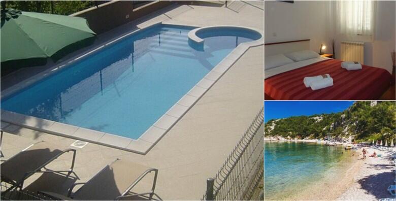 POPUST: 50% - DRAMALJ- 2 noćenja za 2 do 5 osoba u Villi Adriatica 3* uz korištenje vanjskog bazena, roštilja, sprava za rekreaciju i igrališta od 599 kn! (Villa Adriatica***)