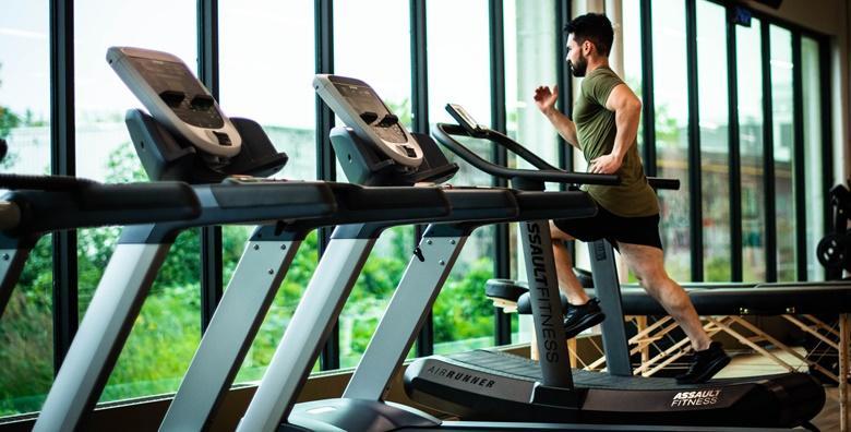 POPUST: 55% - Dočekajte ljeto spremni i pokrenite se odmah te dovedite svoje tijelo u formu uz mjesec ili 2 mjeseca neograničenog korištenja teretane od 135 kn! (Fitness centar Jump)