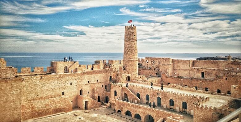Tunis - jedinstvena ponuda za savršeni odmor iz snova uz 7 noćenja uz ALL INCLUSIVE uslugu za 1 osobu + gratis ponuda za 1 dijete do 2 godine u hotelu 4* od 3.419 kn!