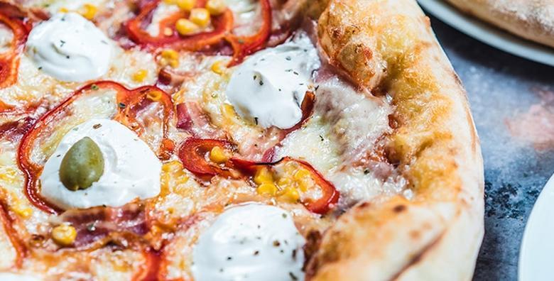 2 pizze po izboru - hrskava korica, rastezljivi sir i sočni sos,  savršena poslastica u kultnom restoranu u Prečkom za samo 49 kn!
