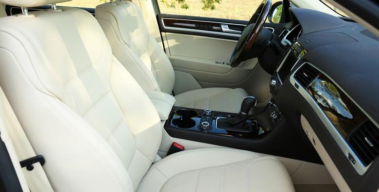 Kemijsko čišćenje unutrašnjosti automobila i vanjsko pranje