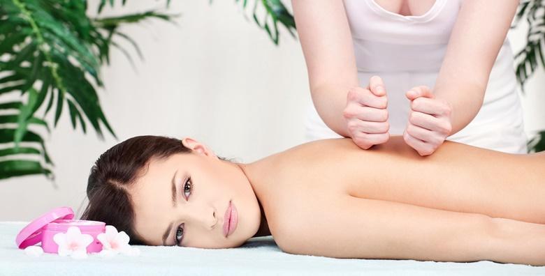 Medicinska masaža koju izvodi fizioterapeut
