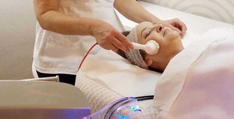 Mikrodermoabrazija, radiofrekvencija lica, masaža i maska