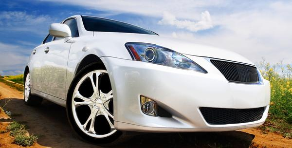 Poliranje farova i besplatan pregled vozila