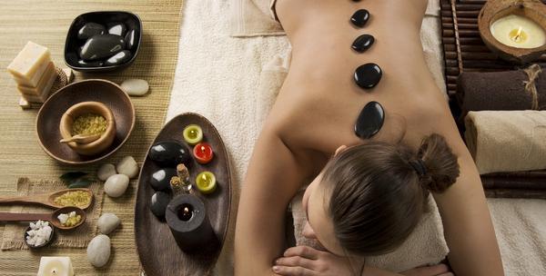 Četveroručna hotstone masaža