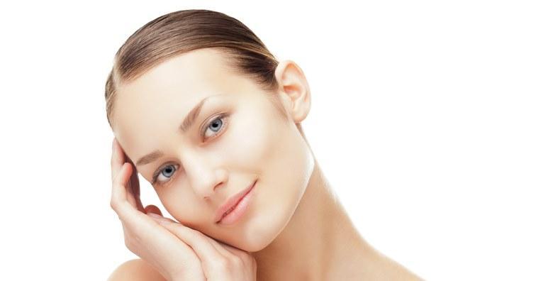 Ultrazvuk lica i vitaminska ampula