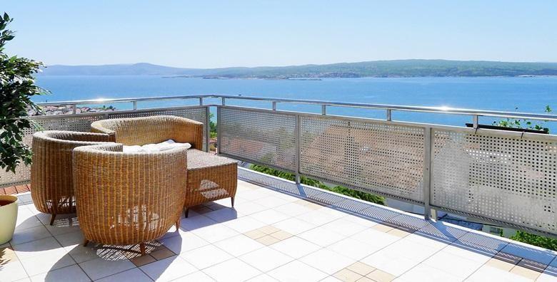 Ponuda dana: CRIKVENICA Ljetovanje u omiljenoj destinaciji Jadrana! 2 ili 5 noći s doručkom ili polupansionom za dvoje u hotelu 3* blizu plaže Crni mol od 1.400 kn! (Hotel Villa Aurora***)
