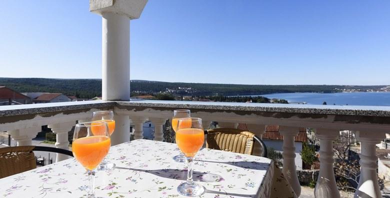 Ponuda dana: ZADARSKA RIVIJERA - provedite svoje ljetovanje iz snova u mirnom mediteranskom gradiću u ŠPICI SEZONE - 2 ili 7 noćenja već od 399 kn! (Apartmani Milić**)
