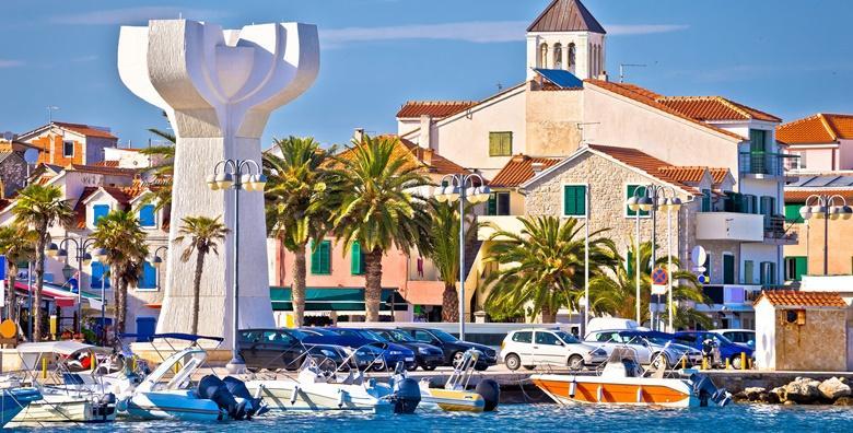 POPUST: 45% - VODICE 2 do 6 noćenja u apartmanu 3* tik do mora za 2 do 4 osobe - začinite svoj godišnji odmor u najzabavnijem gradu Jadranske obale već od 329 kn! (Apartmani Mateo 3*)