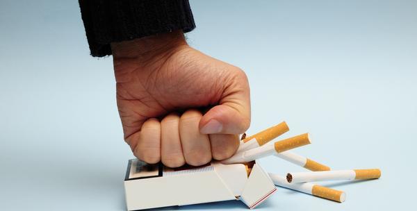 2 elektronske cigarete - zdrav način prestanka pušenja