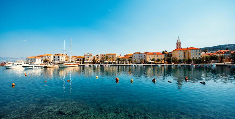 POPUST: 45% - SUPETAR, BRAČ Mjesto idealne ljepote, blistavog mora i prekrasnih plaža o kojem je pisao i Tin Ujević! 2 noćenja za 2 do 4 osobe u apartmanu za 499 kn! (Apartmani Ida 3*)