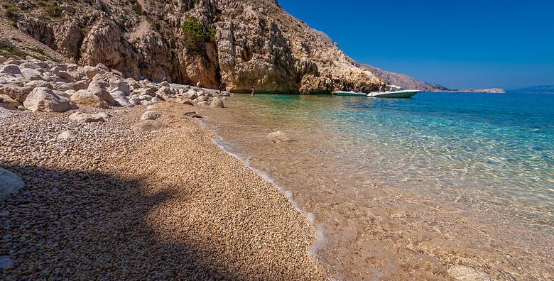 [OMIŠALJ] Last minute ljetna uživancija u terminu 31.7. - 2.8.!  2 noćenja s punim pansionom za dvoje na prekrasnom otoku Krku za 1.218 kn!