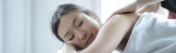 Priuštite si vrhunsko opuštanje tijela i uma uz masažu leđa ili cijelog tijela u Studiju ljepote Manuela već od 69 kn!
