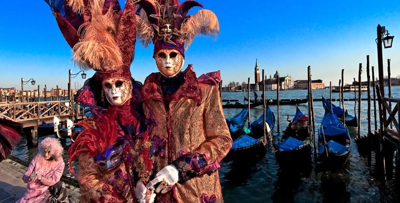 Karneval u Veneciji - posjetite plutajući grad skriven ispod najljepših i najšarenijih maski i doživite zabavnu talijansku tradiciju za 210 kn!
