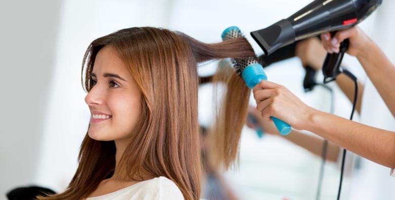 POPUST: 45% - Savršena kosa za svaku priliku uz 3 fen frizure u salonu Noa za samo 99 kn! (Frizersko kozmetički salon Noa)