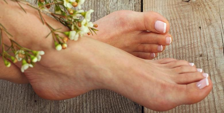 MEDICINSKA PEDIKURA - osigurajte zdravlje i njegu stopalima uz piling  i masažu u trajanju 10 minuta za samo 99 kn!