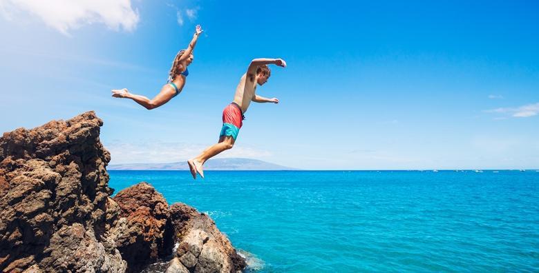 Ponuda dana: Kupanje u Novom Vinodolskom - cjelodnevno guštanje na plaži i u moru  uz uključen prijevoz busom za samo 80 kn! (Samoborček ID kod: HR-AB-01-080058101)