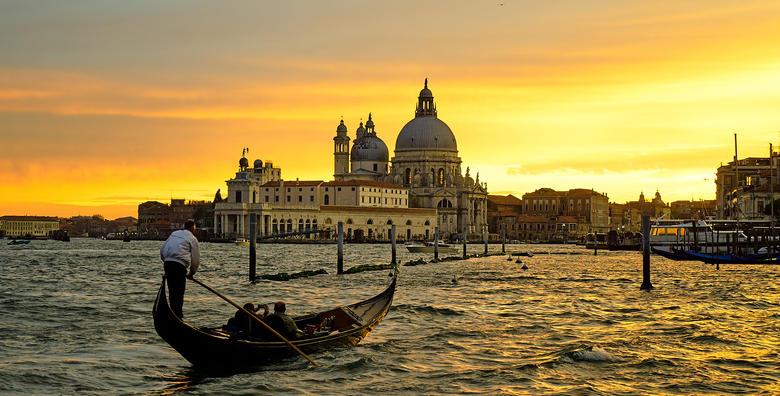 [VENECIJA I OTOCI LAGUNE] Istražite poznatu talijansku ljepoticu, posjetite čarobne otoke Burano i Murano te otkrijte tajne izrade stakla za 220 kn!