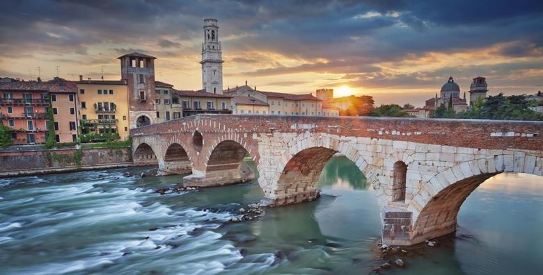 VALENTINOVO U VERONI - uživajte s dragom osobom u romantičnoj šetnji gradom slavnih ljubavnika Romea i Julije za 299 kn!